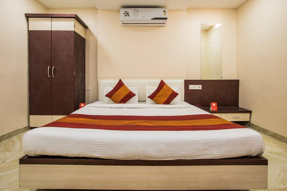 OYO 8857 Hotel Raj Palace