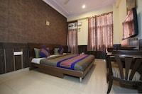 OYO 8876 Hotel Sarthi