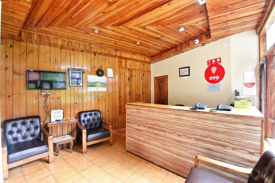 OYO 8895 Hotel Pine Grove