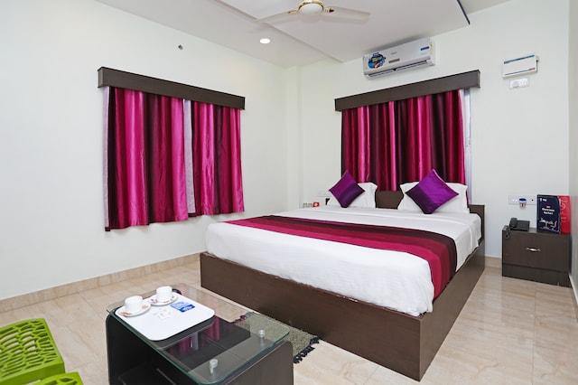 OYO 8896 Hotel King Safire