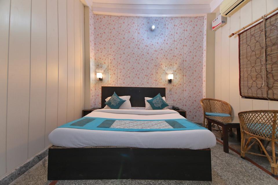 OYO 8988 Radha Krishna Guest House