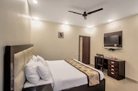 OYO 8927 US Executive Suites