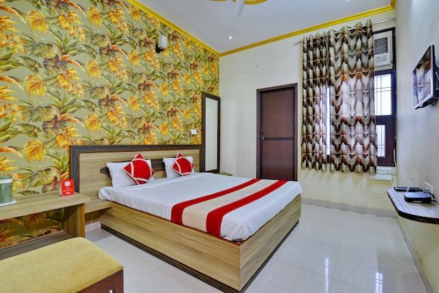 OYO 6670 Hotel Himalaya Tower