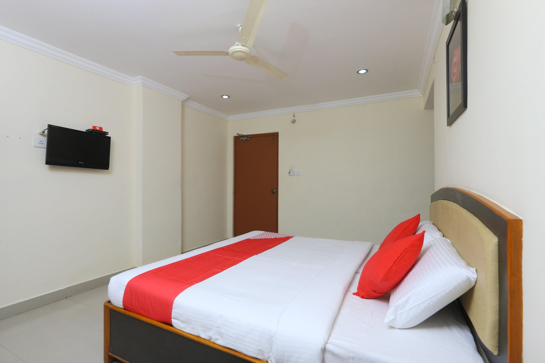 images oyoroomscdn com/uploads/hotel_image/14545/1