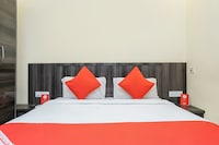 OYO 9064 Hotel Royal Park