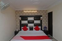 OYO 9452 Hotel Moonlight