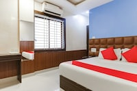 OYO 16487 Hotel Blue Orchid