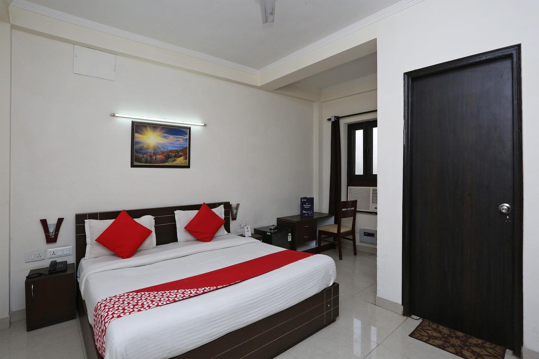 OYO 6540 Tirupati Residency -1