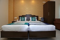 OYO 9010 Hotel Railview