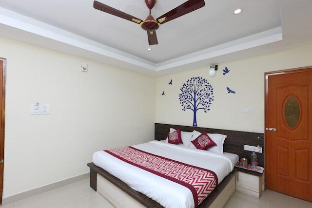 OYO 1223 Maruthi Residency