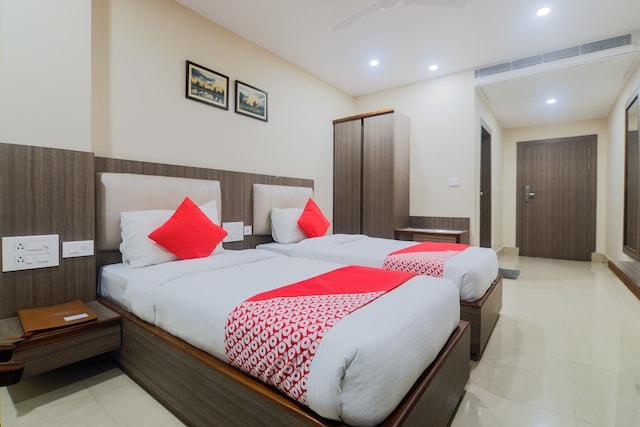 OYO 9468 Hotel Jironi