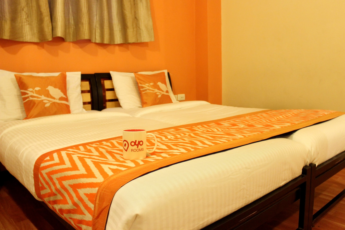 OYO 1230 Hotel Cloud Nine Comforts -1