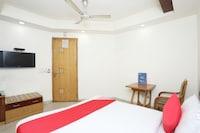 OYO 1233 Hotel Bharat Palace