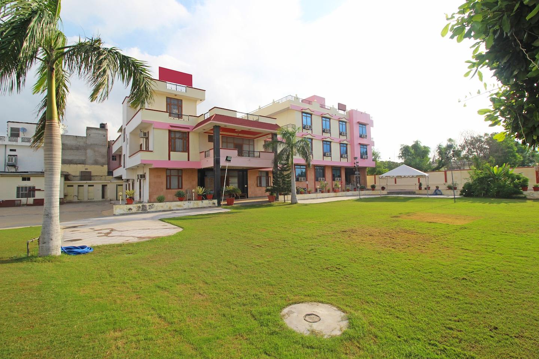 OYO 9143 Hotel Maharani -1