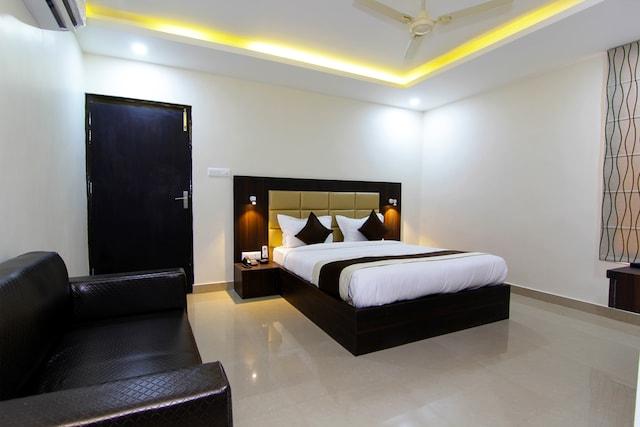 OYO Rooms 045 Sarwoday Nagar