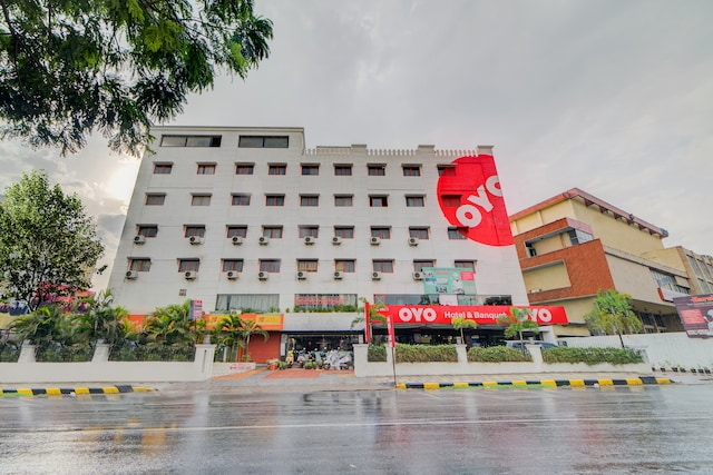 OYO Flagship 469 Kachiguda Railway Station