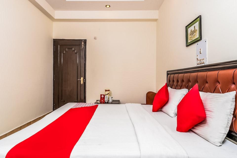 OYO 5411 Hotel City Castle