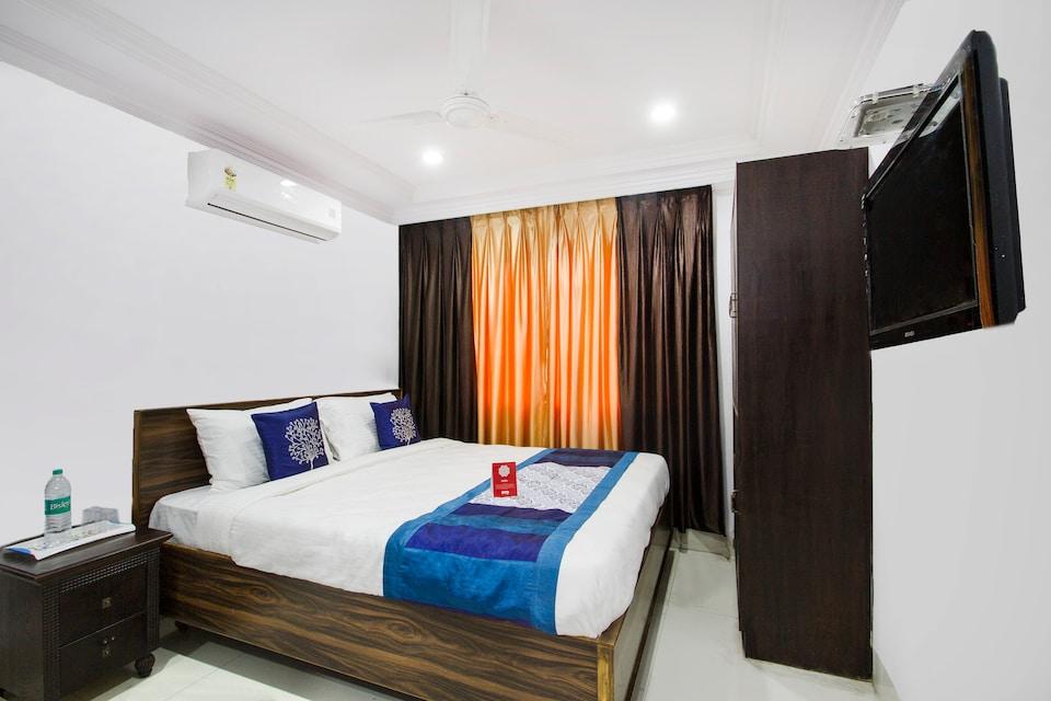 OYO 9627 Hotel Srinivasa Central