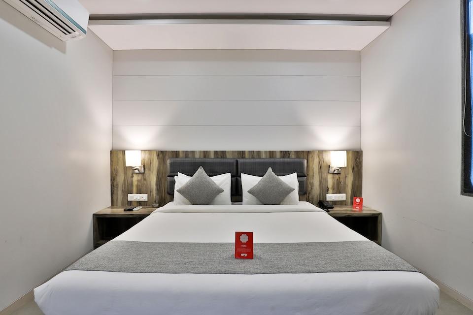 OYO 9120 Hotel Limra