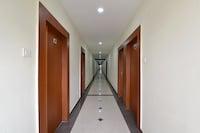 OYO 9048 Hotel Lucifer