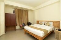 OYO 10796 Hotel Travellers INN