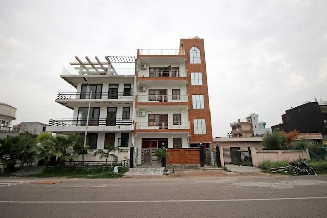 OYO 9192 Hotel Raghav Residency