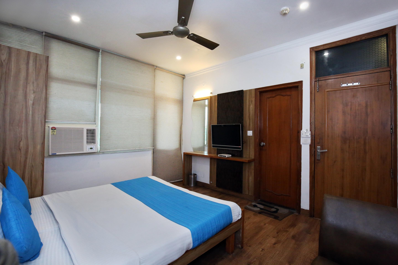 OYO 9230 Hotel Royal Brooks