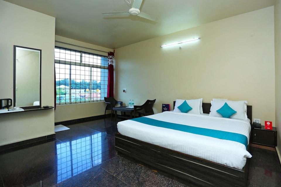 OYO 9262 Hoysala Comforts