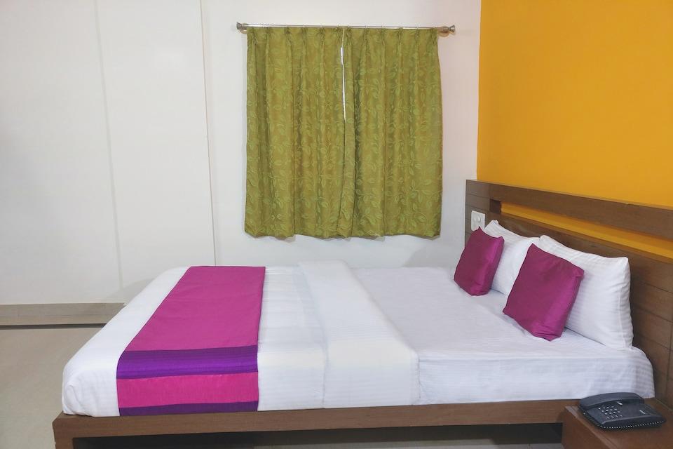 OYO 9151 Hotel Sri Sai Comforts