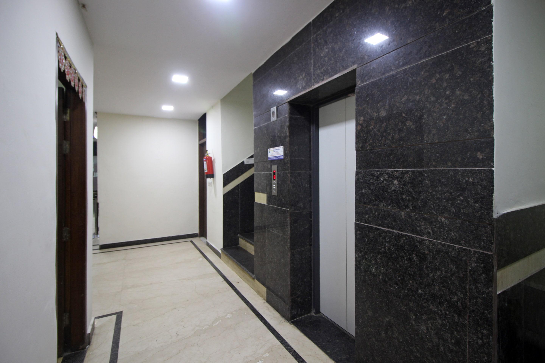 OYO 9148 Hotel Global Inn