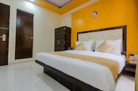 OYO 9326 Om Sai Residency