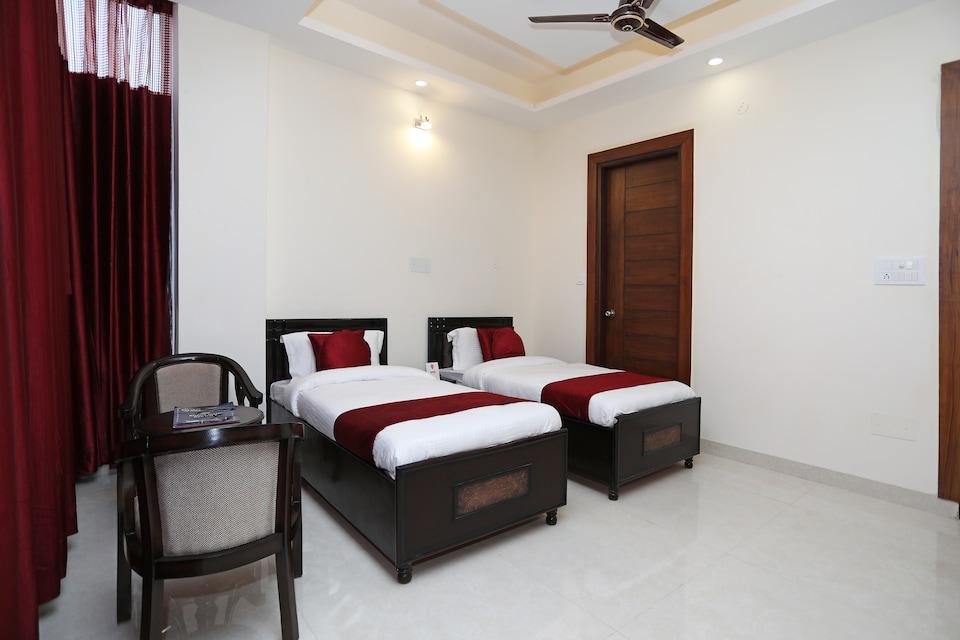 OYO 9275 Hotel Royal Inn, Faridabad, Faridabad