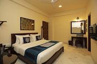 Capital O 9366 Hotel Shambhu Villas