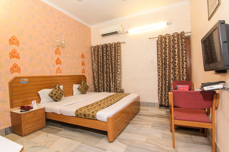 OYO 1294 Hotel Padmini International -1