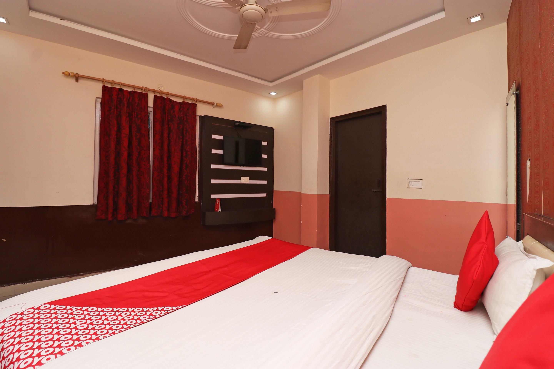OYO 9369 Raj Paradise