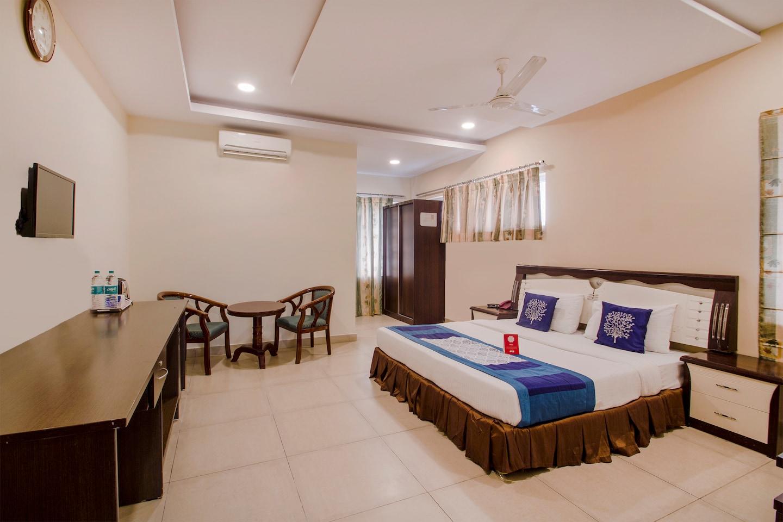 OYO 9707 Hotel Sravya Residency -1