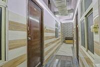 Capital O 83467 Aditya Palace