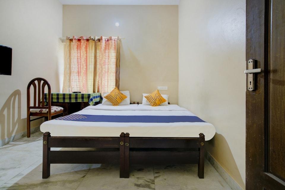 SPOT ON 23868 Surabhi Tourist Home-offline
