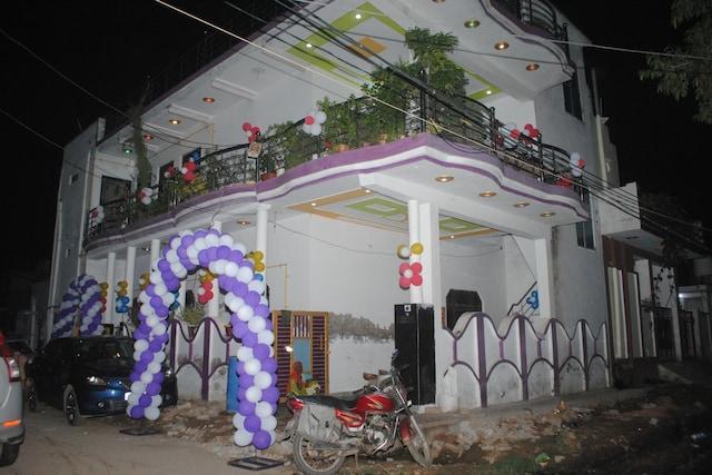 POP HOME 83825 Chitransh Vihar Homestay