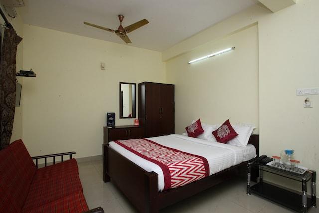 OYO 10465 Koyambedu Chennai