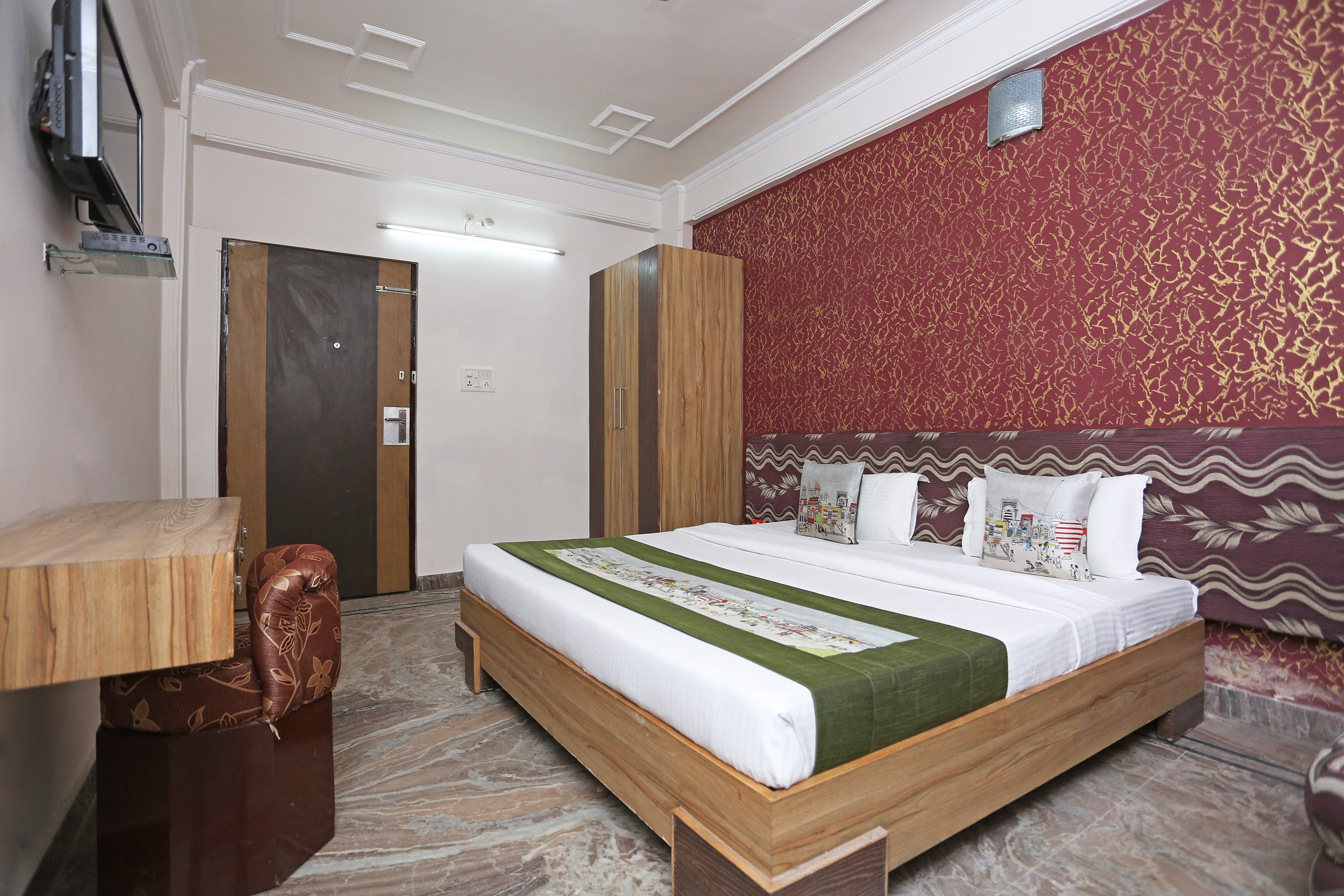 Hotel Gallarey OYO 10961 near Railway Station