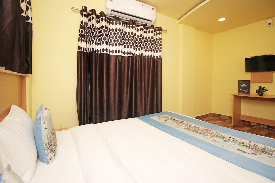 OYO 9563 Hotel RR Residency