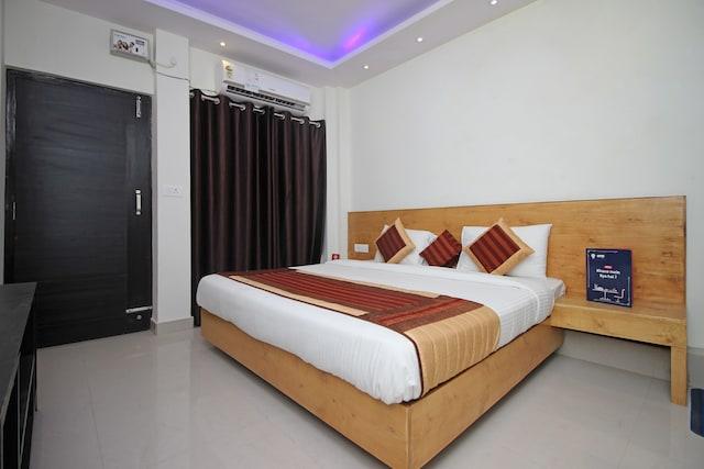 OYO 9711 Hotel Marc Blu