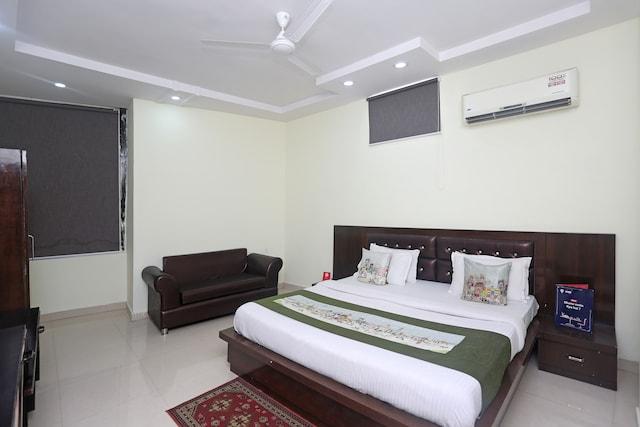 OYO 9565 Hotel New Shiv Murti