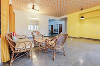 OYO Home 9785 Spacious 3BHK