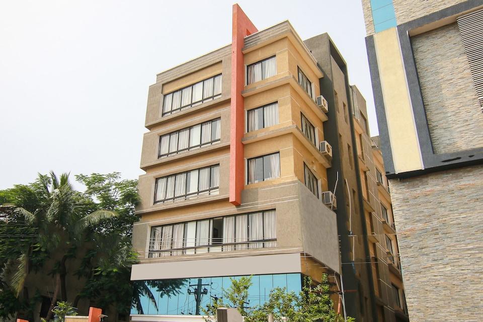 OYO 9647 Hotel MVV Bhavan