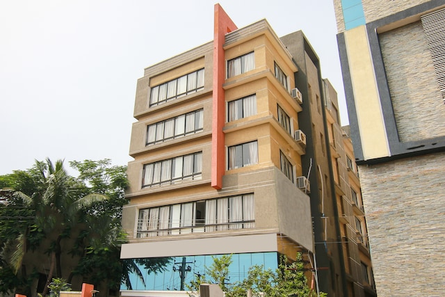 OYO 9647 Hotel MVV Bhavan Deluxe