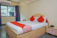 OYO 9739 Hotel Ratnalok