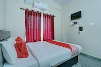 OYO 9544 Hotel Crown Residency