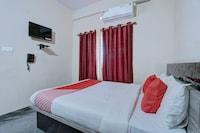 OYO 9544 Hotel Crown Residency